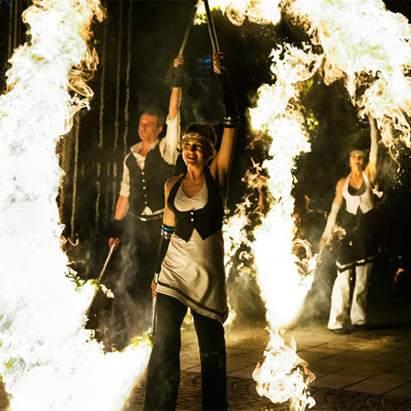 Loooop - The Golden Twenties Fire Show