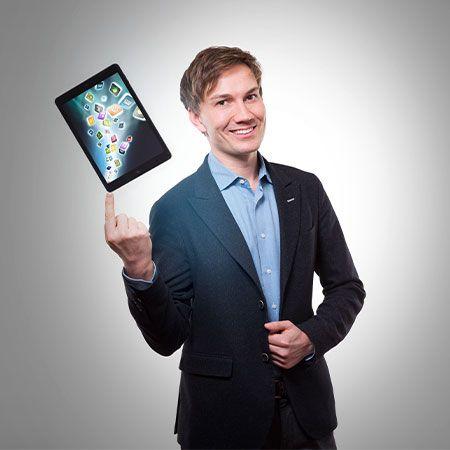 Christoph Wilke - iPad Magician