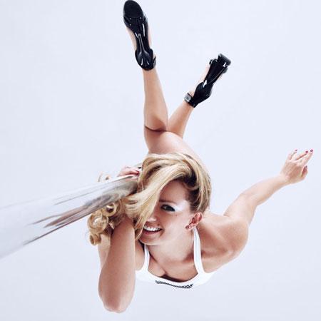Vlada Zhizhchenko - Pole Dancer