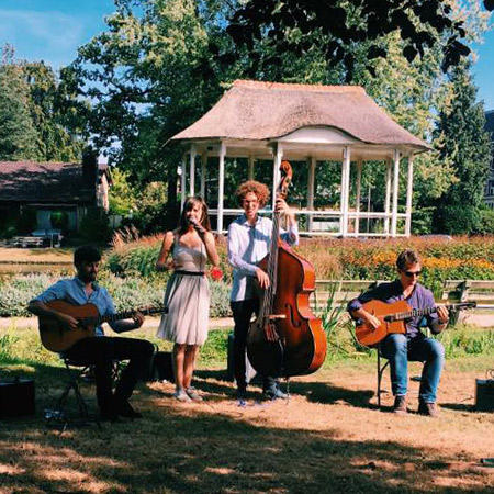 Eva sur Seine - Gypsy Jazz band