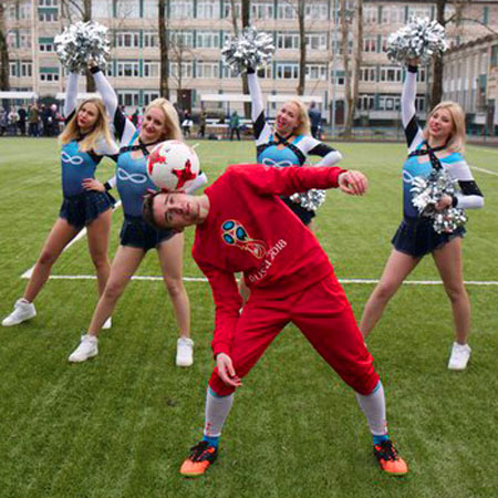 Roman Onipenko - Russian Football Freestyler