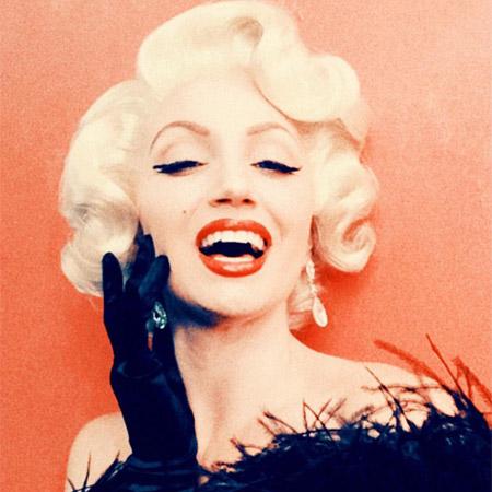 Marilyn Monroe Impersonator Rachel