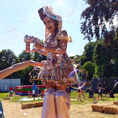 Sally Bubbles - Themed Bubble Performer