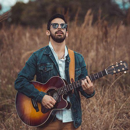 Joey Calderaio - Acoustic Singer