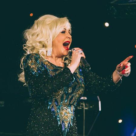 Paula Randell - Dolly Parton Tribute