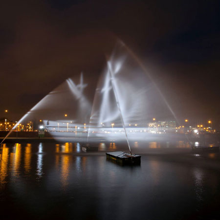 Ghost Ship - water show hologram