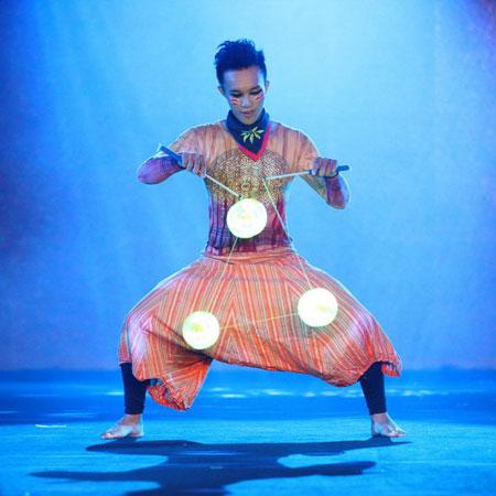 FOMA Circus act - LED DIABOLO