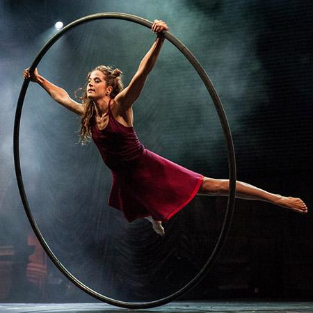 Claudia Franco - Contemporary Circus Artist