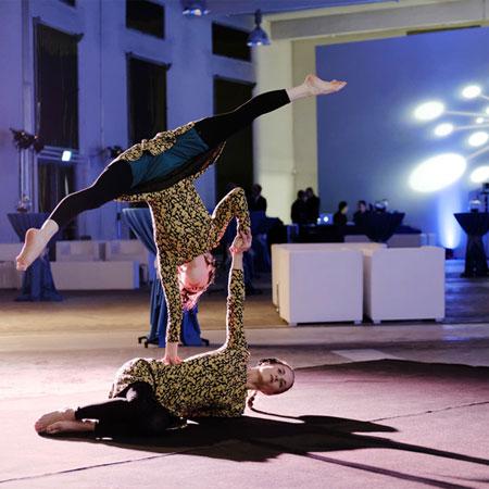 Maja Weiller Revue Show