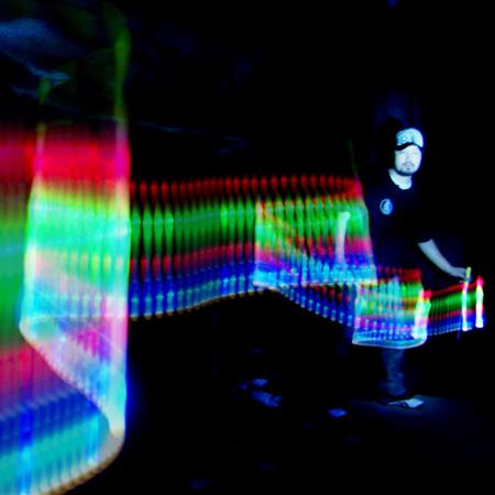 Junjie Yan (3D Light Painter)