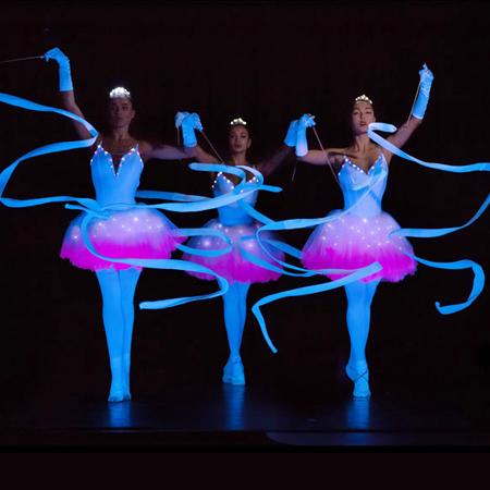Luminous art-performances - Illusion
