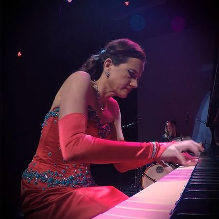 Mia Vassilev - Pedals and Bows
