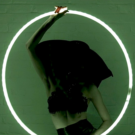 J'adore La Vie - La Femme Mystique (LED Hoop act)