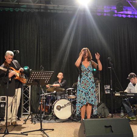 Brazuca Samba Show - Bossa Nova Brazil Live Band