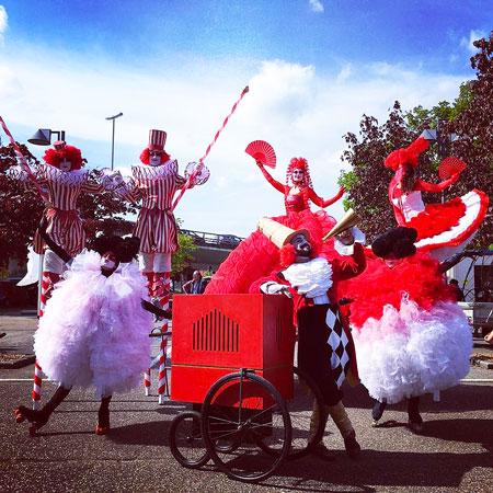 Dulce Compania - Circus Parade