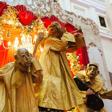 Mr Pejo's Wandering Dolls - Golden Angels
