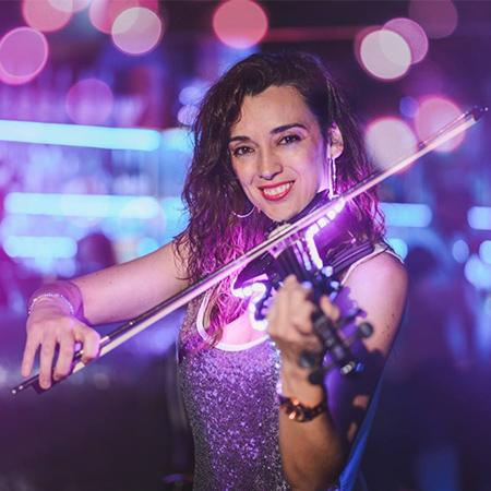 Mel Minué - Female LED Violinist