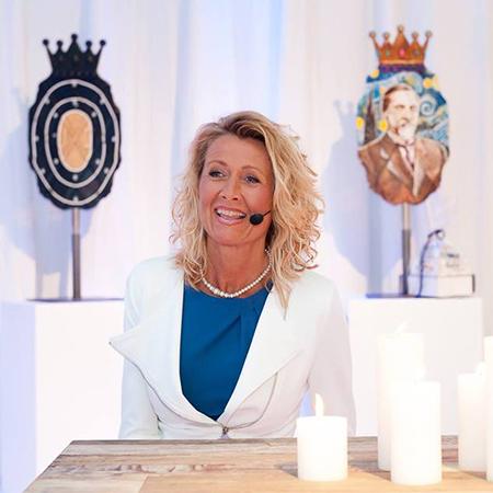 Anne De Baetzelier - Event Presenter