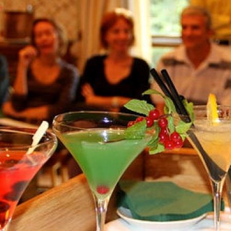 Teamworking - cocktail game
