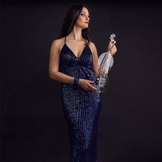Lia - Roaming Violinist