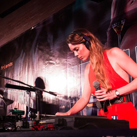 Zoey Jones - DJ Vocalist