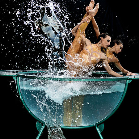 Liberidi Physical Theatre - Water Bowl Act