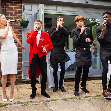 Club Mob - Singing Waiters