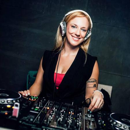 DJ Lucy Pink