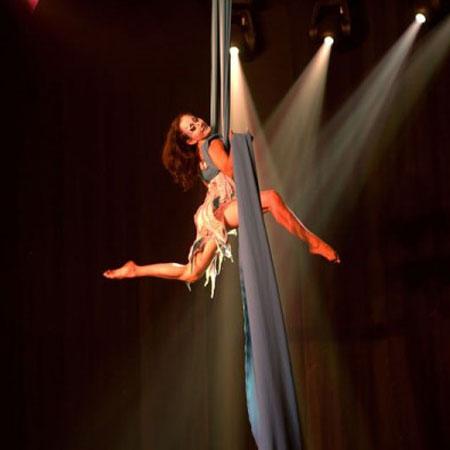 Bencha Theatre - Tissu Aerial Silks