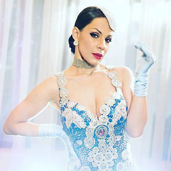Rosa Kabroski Burlesque Empire Show