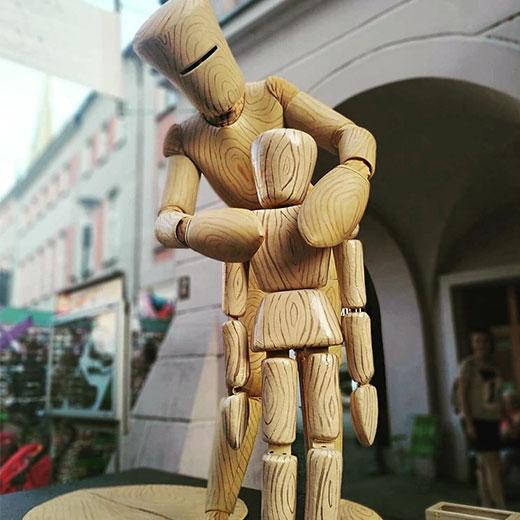 Wooden Wowmen