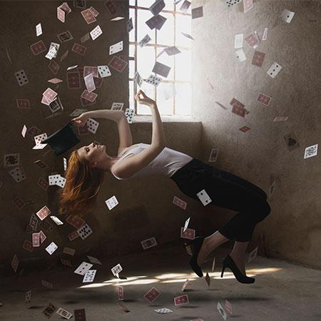 Caroline Ravn - Female Magician