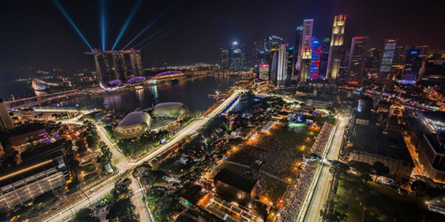 Wandering Band In Pole Position For Singapore F1