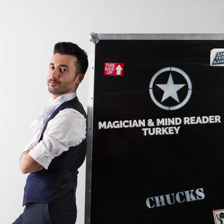 Ozgur Kapmaz - Magician