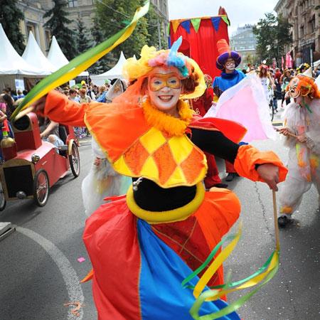 Mr Pejo's Wandering Dolls - Carnival