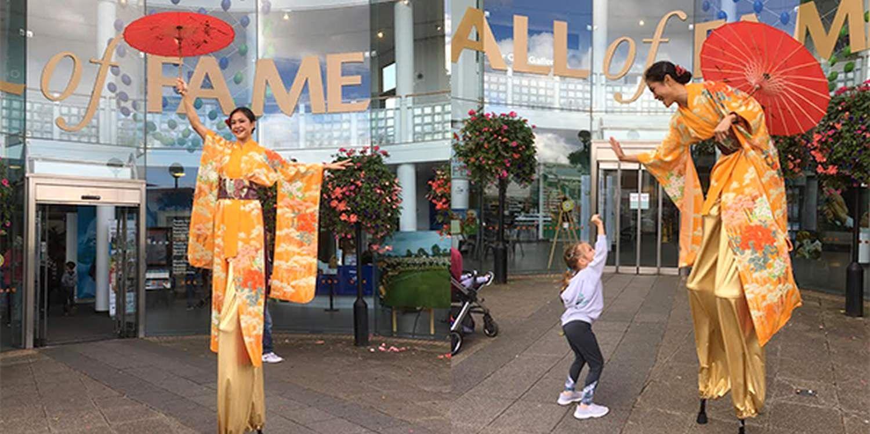 Geisha Stilt Walker Brings Japanese Culture To The West Midlands