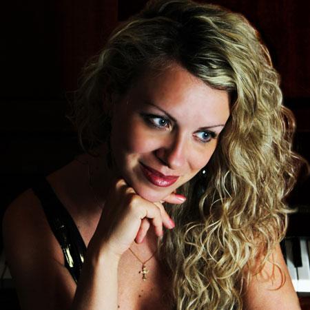 Irina Timashova - Jazz Singer Dubai