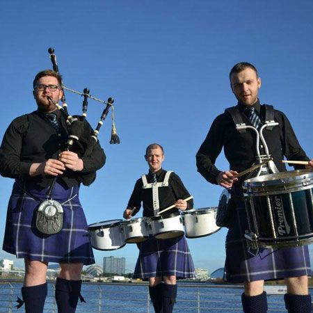Drums n Roses - Scottish Pipers and Drums
