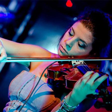Laura Zaottini - Classical & Electric Violinist