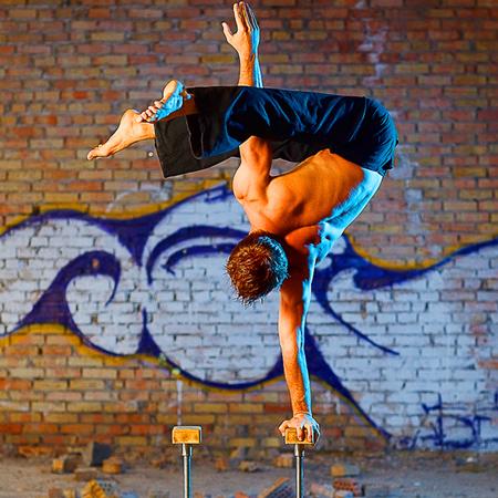 Handstand Act - Artem & Iryna