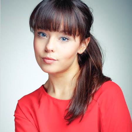 Evie Pickerill - Cbeebies Presenter