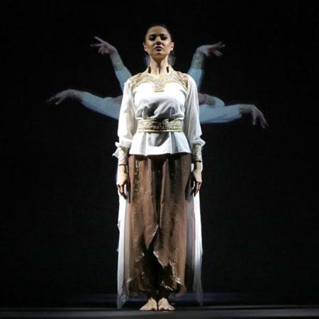 Four:55 - Dancer / Holographic Show