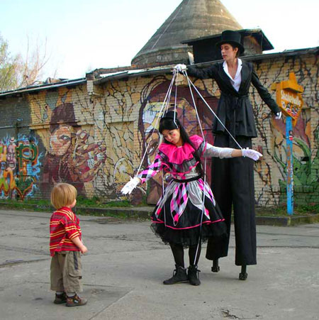 Live Marionette Walk Act