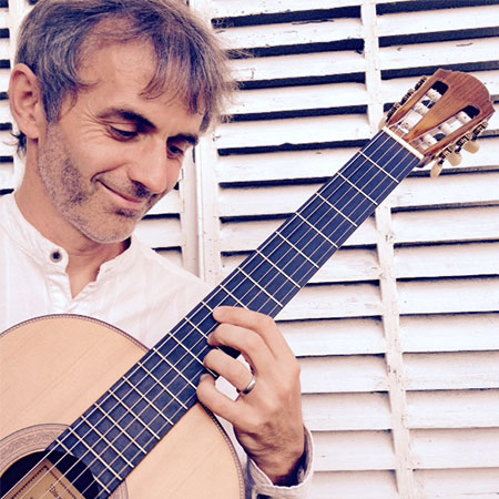 Dan Jones - Guitarist