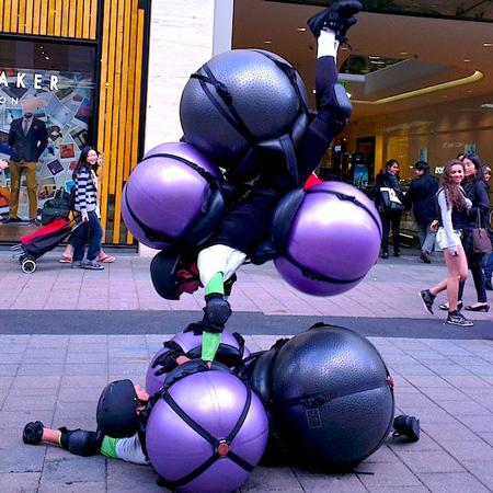 Slack Taxi - Acrobatic Bouncers