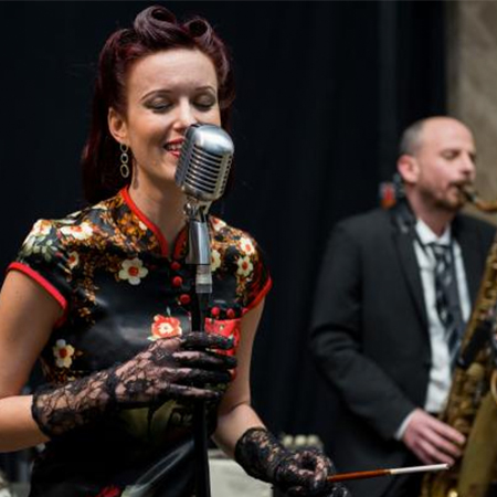 Jazz Vocalist with a band