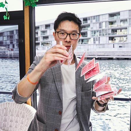 Ronald Chow - Magician