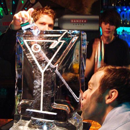 FrutArt - Ice Luge & Glasses