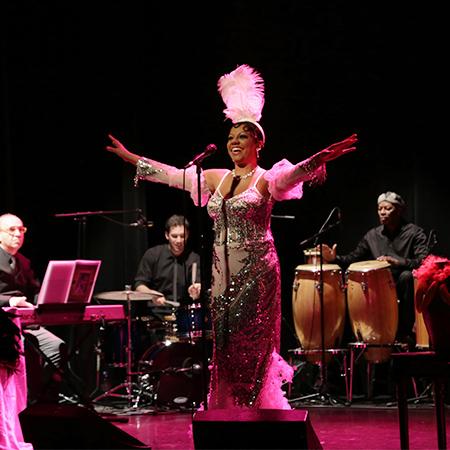 Jussanam AVEC Josephine Baker ( Josephine Baker a la Brésilienne)