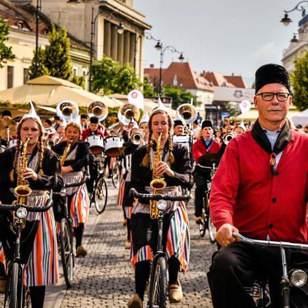 Bicycle Showband Crescendo